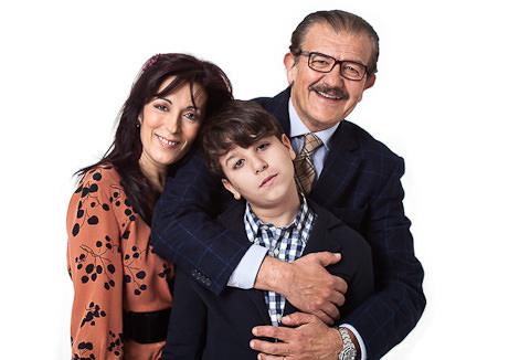 Foto di famiglia mamma e papa con figli