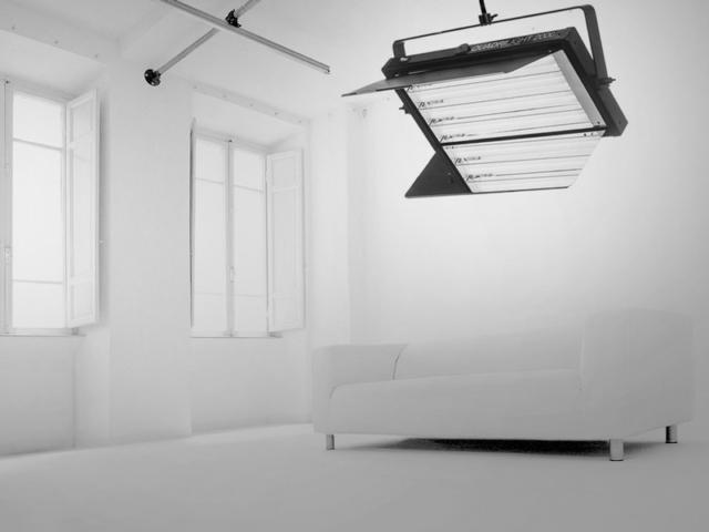 Studio Fotografico Limbo: Illuminazione pronta per Riprese Video veloci