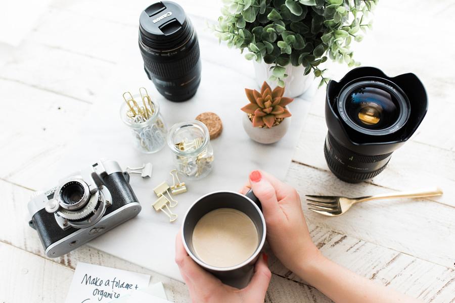 fotografare in studio con aiuto di professionisti