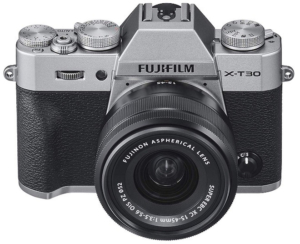 La migliore macchina fotografica mirrirless di fascia media